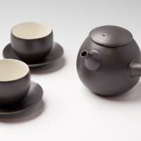 イタリア 繭型急須 繭型湯呑 小皿 使用例