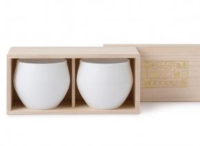 中川政七商店オリジナル形状のエッグシェル「ワイングラスに学んだ日本酒器」